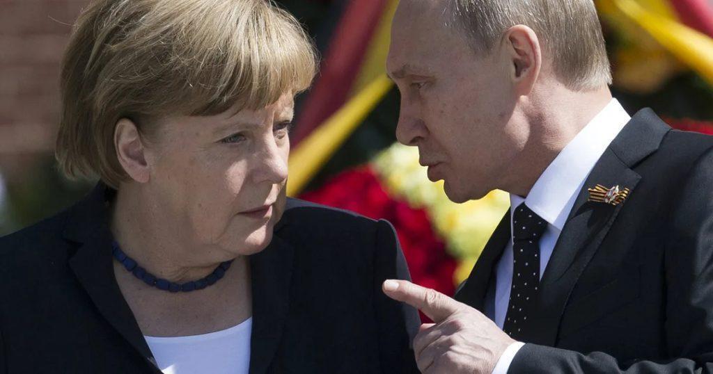 Анджела Меркель приехала подписывать бегунок у Путина!
